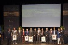 Arturo San Juan (ARLUY) y Pedro Vivanco (Bodegas Vivanco) reciben el Premio Mercurio 2014. 1
